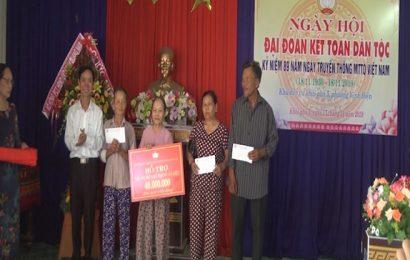 Phó Chủ tịch Thường trực HĐND tỉnh Võ Hồng tham dự Ngày hội Đại đoàn kết tại thị xã Điện Bàn