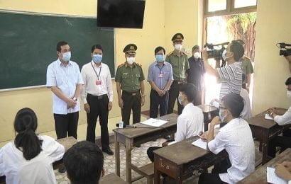Bí thư Tỉnh ủy  Phan Việt Cường kiểm tra, thăm hỏi, động viên thí sinh tham dự kỳ thi THPT năm 2020