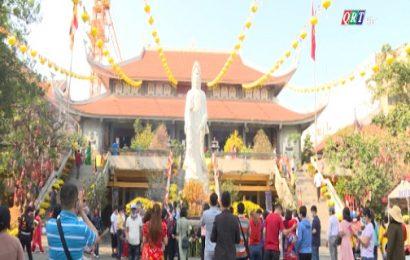 Lễ chùa đầu năm – nét đẹp Tết Việt