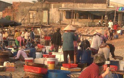 Chợ cá Tam Tiến (23-6-2021)