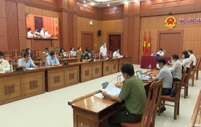 Phó Chủ tịch UBND tỉnh Trần Văn Tân họp rút kinh nghiệm đưa người từ vùng dịch covid 19 về quê
