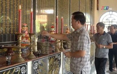 Lãnh đạo tỉnh Quảng Nam thăm và viếng hương Đền liệt sĩ huyện Duy Xuyên